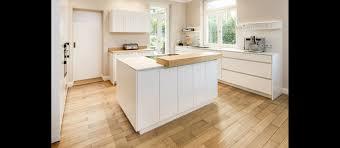 mtb küche mattlack weiss arbeitsplatten decton