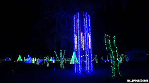 Kinds Of Christmas Tree Lights by Christmas Light Show 2013 Montage Dancing Lights At Jellystone