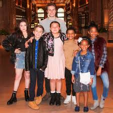 Cast Of Halloween 3 by This Is Us Cast Hanging Out Popsugar Celebrity