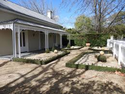 100 The Redding House Garden Victorias High Country