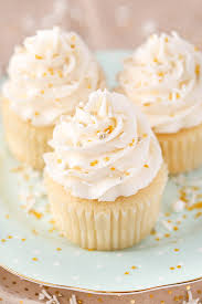 These Moist Vanilla Cupcakes Are Super Easy To Make And So For Days They My New Favorite Cupcake