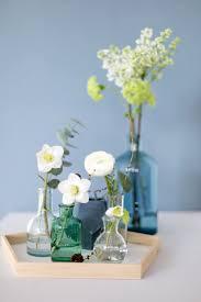 eine blaue wand für das wohnzimmer mit einer wandfarbe adler