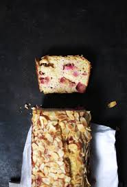 schnell einfach saftiger rhabarber sauerrahm kuchen mit