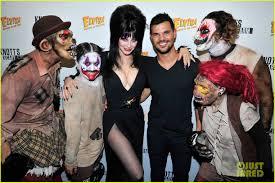 Knotts Berry Farm Halloween 2016 by Taylor Lautner Gets Scary At Knott U0027s Berry Farm Photo 878583