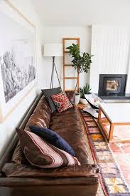 Brown Couch Decor Living Room by Best 25 Distressed Leather Sofa Ideas On Pinterest Distressed