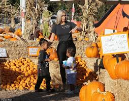 Pumpkin Patches Near Chico California by Kim Kardashian Takes North And Saint To Pumpkin Patch Daily Mail
