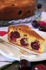 Kirschemichel This traditional German Cherry Cake would be