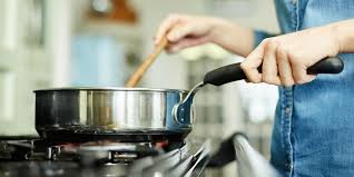 de cuisine qui cuit les aliments cuisson toxique comment préserver les vertus santé des aliments