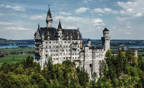 17 Most Beautiful Castles in the World