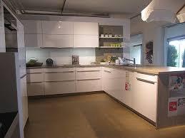 schüller musterküche moderne küche mit halbinsel