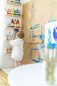 kreativecke und malwand für mehrere kinder malen im