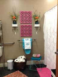 Cute Apartment Wall Decor Luxurious Apartments Bathrooms Bathroom Accent Ideas At Decorating Home