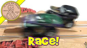 100 Hot Wheels Monster Truck Track Jam Grave Digger Incredible Hulk Slot Car