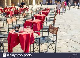 Bistro Chair Stock Photos & Bistro Chair Stock Images - Alamy Italian Garden Fniture Talenti Outdoor Living Clip Bora Bistro 5 Piece Patio Set Charcoal Uv Resistant Made Astounding High Top Table And Chairs Wooden Cheapest A Guide To Buying Vintage Fniture Amazoncom Home Source Industries 3piece Padrinos Steakhouse Photo Gallery Celtic Aria Bistro Set Celtic Cast Alinium Garden Best 2019 Ldon Evening Standard Handcrafted In North America Kitchen And Ding Room Canadel 3pc Bar Stools Tables Coffee Horizontal Cabinets