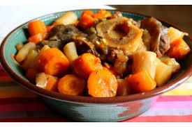 cuisiner du jarret de boeuf recette jarret de boeuf carottes pommes de terre cookeo sur la