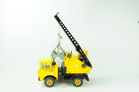 100 Tonka Crane Truck Vintage TONKA Toy 16x35Item 052 Look What I Found