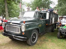 IH B-160 Grain Truck With People | My Truck Pictures | Pinterest ... 1966 Intertional Loadstar Cabover Food Truck Stuff Pinterest Ih Harvester Corn Binder Pickup 2 Youtube 1965 Intertional 1300 Cab Chassis Dually Burnout Model Scout Sales Brochure The Street Peep 1968 Travelall C1100 1600 Grain Truck Item H1527 For Sale Near Las Vegas 1967 Coe Small Adventurepage 68 Builds And Just Listed 1964 1200 Cseries Autolirate 1960 B100