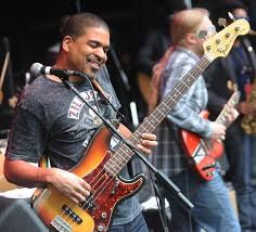 100 Derek Trucks Father Oteil Burbridge Google Search Bass Guitars Pinterest