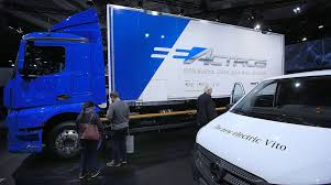 Electric Trucks Could Save Europe 11 Billion Barrels Of Oil Through ... Screw You Tesla Volvo Electric Trucks Hitting The Market In 2019 Bmw Already Using Three For Its Munich Plant Daimler Rolls Out Electric Trucks North America Todays Hyliion Introduces Hybrid System Class 8 Ngt News Mercedesbenz Future Truck Metro Concept Youtube A Cofounder Is Making Garbage With Jet Tech Could Save Europe 11 Billion Barrels Of Oil Through Anheerbusch Orders 40 Business Stltodaycom And Utility Evs By Renault From Eltrivecom Semi Watch The Truck Burn Rubber Car Magazine Mercedes Allectric Eactros To Undergo Fleet Testing