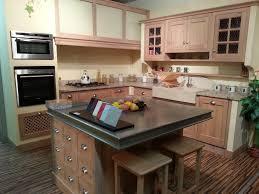 construire un ilot central cuisine construire ilot central cuisine avec collection et meuble central