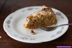 apfel möhren kuchen mit karamell haselnüssen vegan