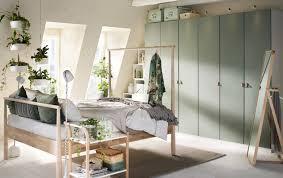 chambre grise et verte chambre à coucher beige verte et grise avec garde robes gris vert