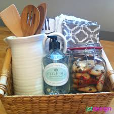 Best Housewarming Gift Make A Pretty And Practical Basket For Decor