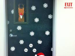 Christmas Classroom Door Decorating Contest by Office 41 Office Christmas Door Decorating Holiday Door