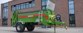Manure Spreader - Ludwig Bergmann - Goldenstedt 164th Husky Pl490 Lagoon Manure Pump 1977 Kenworth W900 Manure Spreader Truck Item G7137 Sold Research Project Shows Calibration Is Key To Spreading For 10 Wheel Tractor Trailed Ftilizer Spreader Lime Truck Farm Supply Sales Jbs Products 1996 T800 Sale Sold At Auction Pichon Muck Master 1250 Spreaders Year Of Manufacture Liquid Spreaders Meyer Mount Manufacturing Cporation 1992 I9250