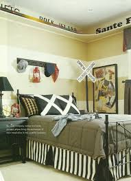 Thomas The Train Bedroom Decor Canada by Best 25 Train Room Ideas On Pinterest Train Bedroom Decor