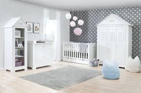 a quel age bébé dort dans sa chambre bebe chambre seul bebe dort mieux seul dans sa chambre utoo me
