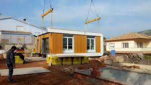 maison contemporaine préfabriquée en bois