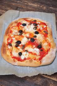 pate a pizza maison pizza maison à la merveilleuse pate dans ma cuisine