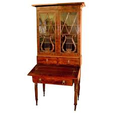 Vintage Duncan Phyfe China Cabinet by 19th Century Federal Period Duncan Phyfe Style Flame Mahogany
