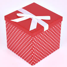 5 Color 50pcs Wedding Favor Boxes Hollow Out Craft Paper Box For Gifts Candy Sweets Christmas Supplies
