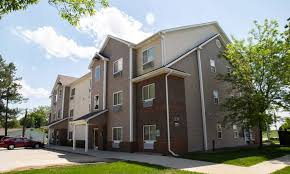 100 Crystal Point Apartments Ames Townhomes For Rent Crown