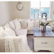 Sectional Living Room Ideas by 10 Interesting Small Apartment Living Room Ideas Shabby Chic