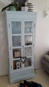 Americana Decor Chalky Finish Paint Uk by This Lovely Glass Cabinet Was Updated With Vintro Chalk Paint