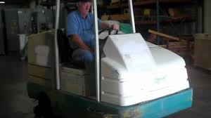 Riding Floor Scrubber Training by Tennant 7400 Floor Scrubber Tag 201 Youtube