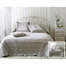 boutis canapé boutis plaid ou jeté de canapé couvre lit matelassé perle et