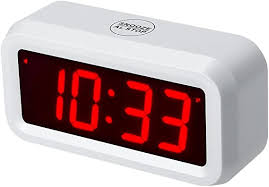 timegyro digitaler wecker batteriebetrieben mit 1 2 großem display für schlafzimmer schwere wächter weiß