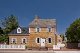 100 Robert Gurney A Traditional Facade Hides A LightFilled Renovation In