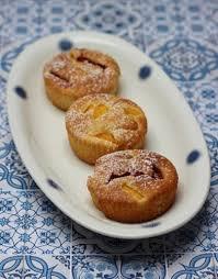 kleine kuchen mit nektarine und erdbeeren feinschmeckerle