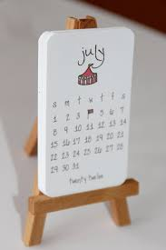 Easel Desk Calendar 2018 by For The Co Worker You Like But Don U0027t Want To Spend A Ton Of On