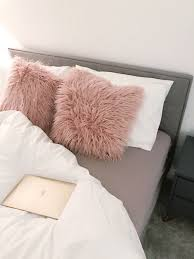 Restuffing Sofa Cushions Feathers by Best 25 Fluffy Cushions Ideas On Pinterest Cozy Living Rooms