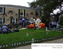Halloween Yard Inflatables by Spooky Houses And Decor In Chicagoland Queen Of The Land Of