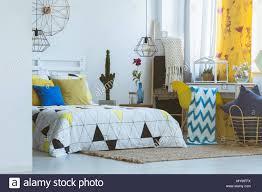 einzigartiges schlafzimmer inspiration gelb pop farbe