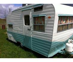 Vintage Travel Trailer 1960 Holly Mascott