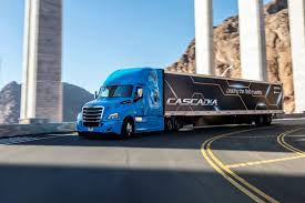 Freightliner Unveils Newer New Cascadia | Today's TruckingToday's ...