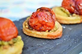 baked canapes balsamic tomato canapé recipe great chefs